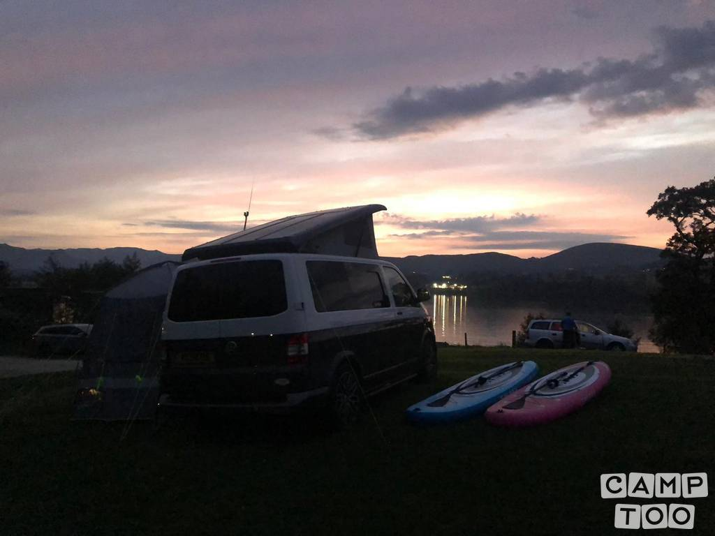 Volkswagen camper from 2014: photo 1/19