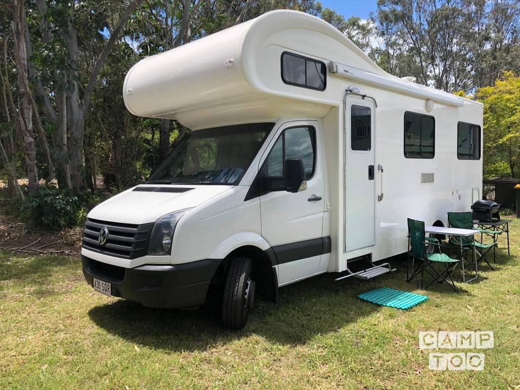 Volkswagen camper from 2012: photo 1/17
