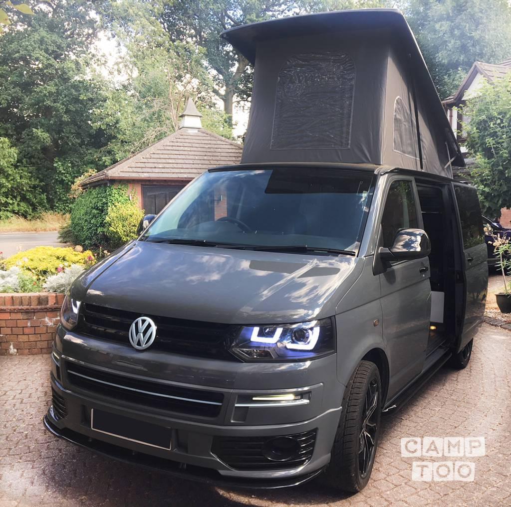 Volkswagen camper from 2013: photo 1/8