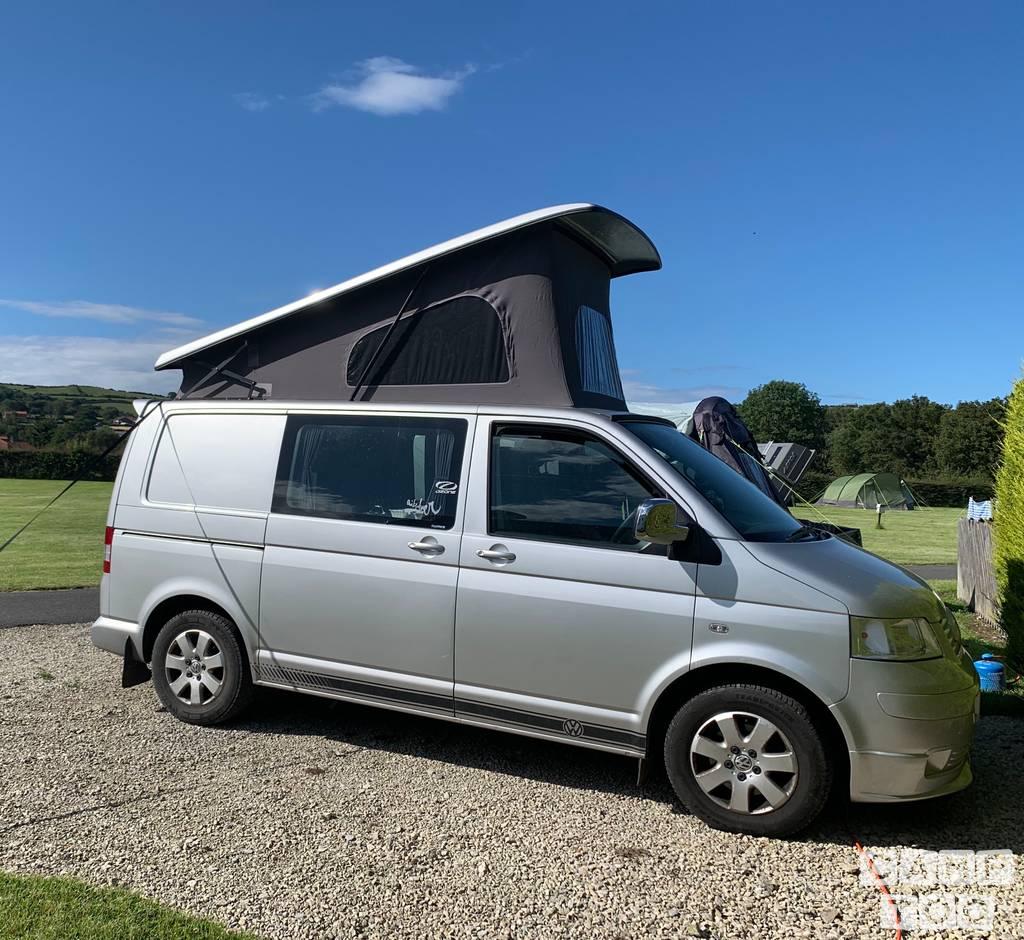 Volkswagen camper uit 2004: foto 1/13
