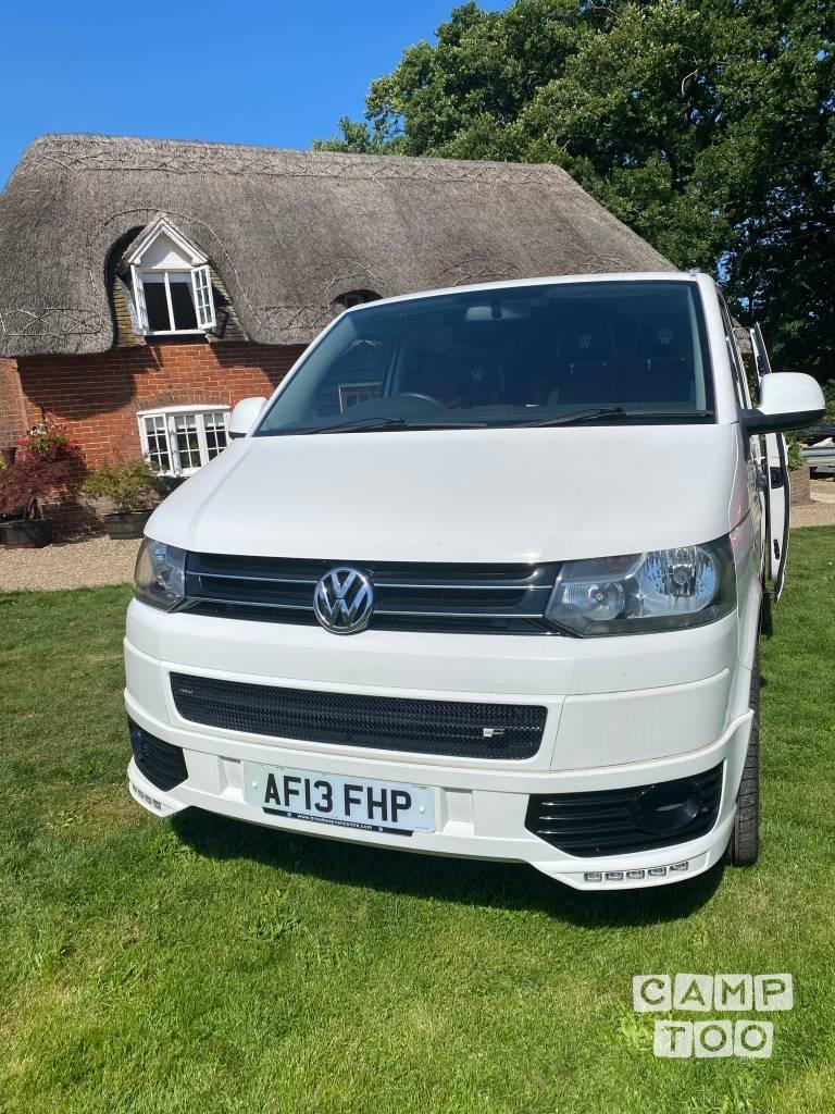 Volkswagen camper from 2013: photo 1/10