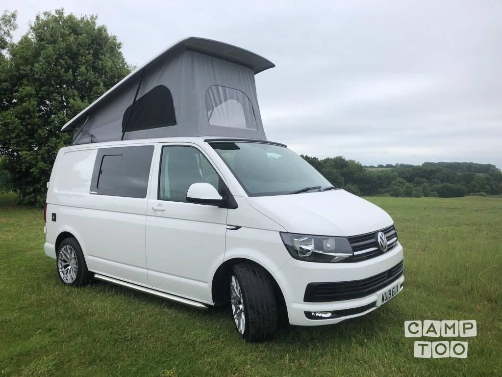 Volkswagen camper from 2018: photo 1/12