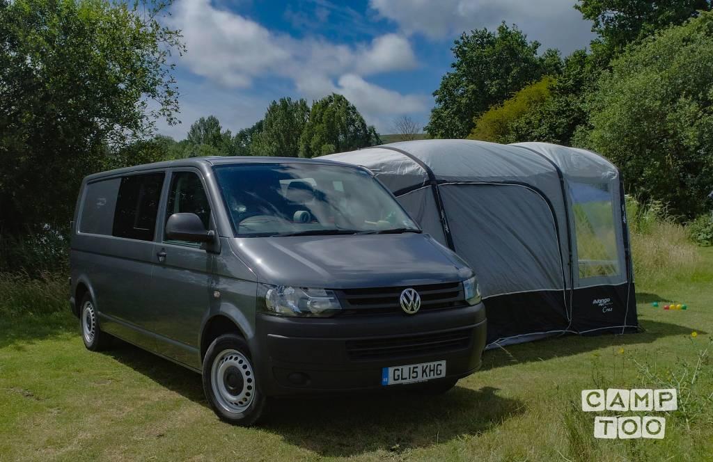 Volkswagen camper from 2015: photo 1/32