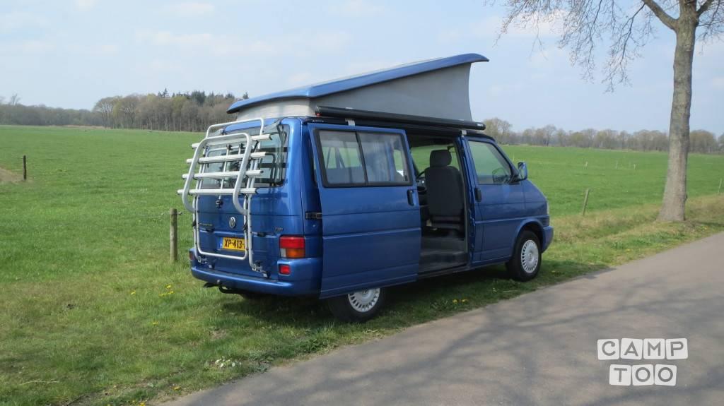 Volkswagen camper from 2001: photo 1/11