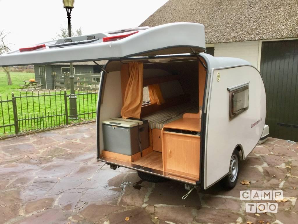 Custom Built caravan uit 2005: foto 1/13