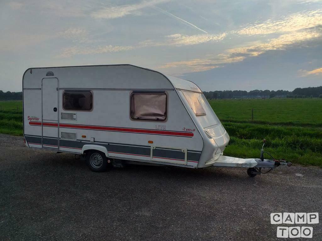 Beyerland caravan uit 2002: foto 1/10