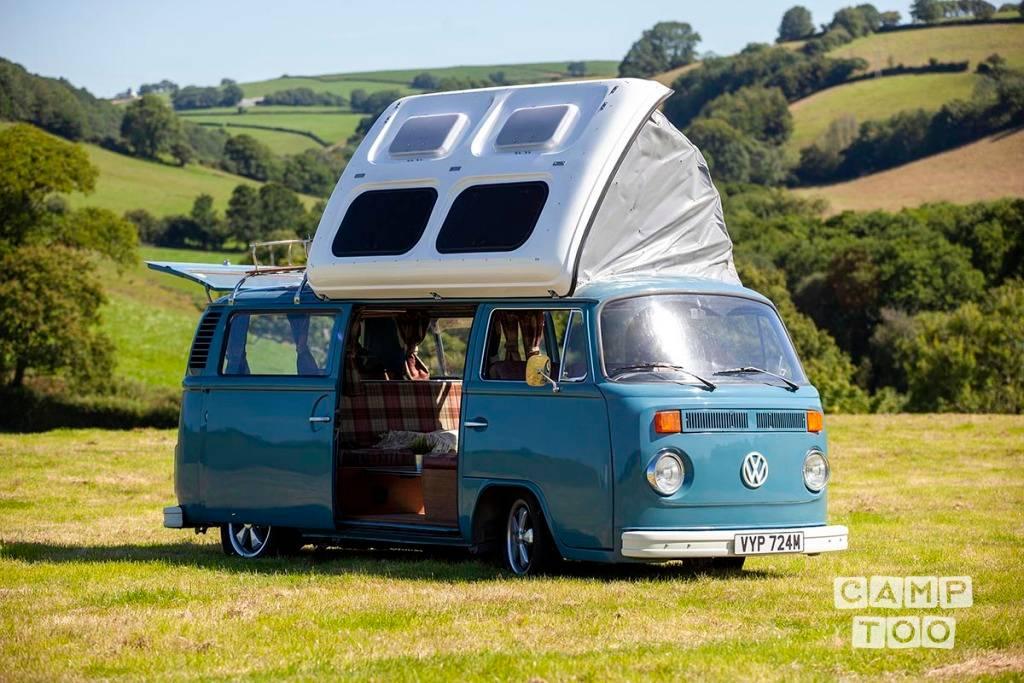 Volkswagen camper from 1974: photo 1/8