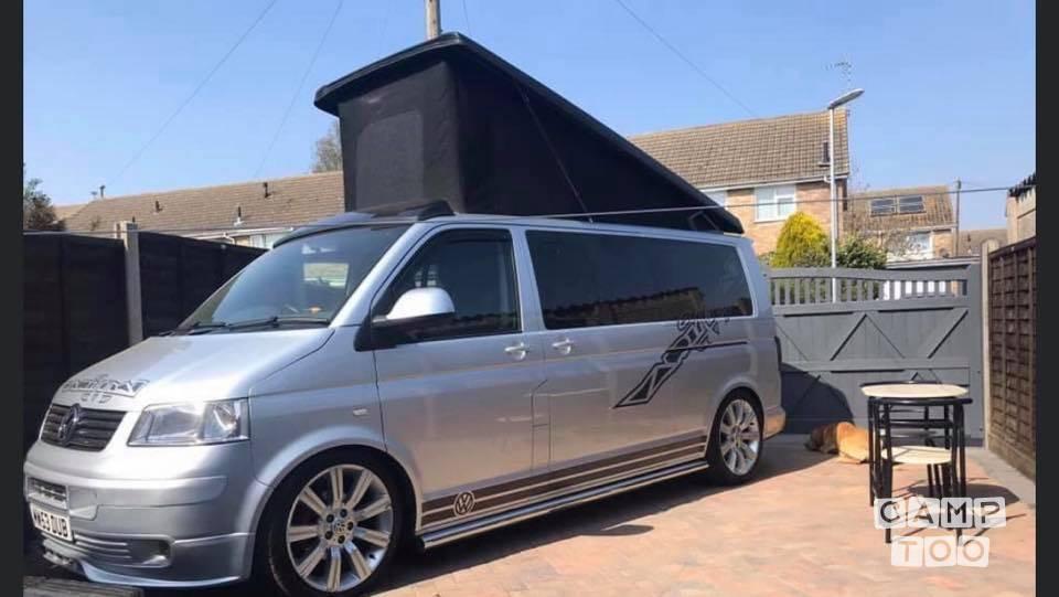 Volkswagen camper uit 2005: foto 1/13