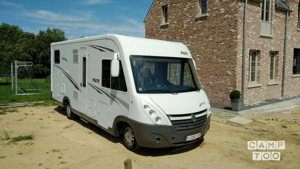 Pilote camper from 2012: photo 1/12