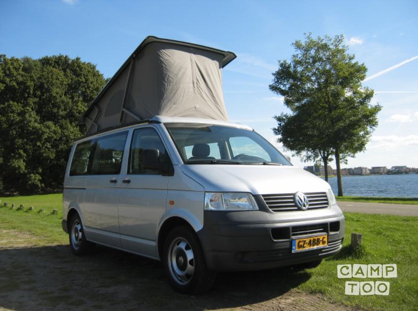Volkswagen camper from 2006: photo 1/9