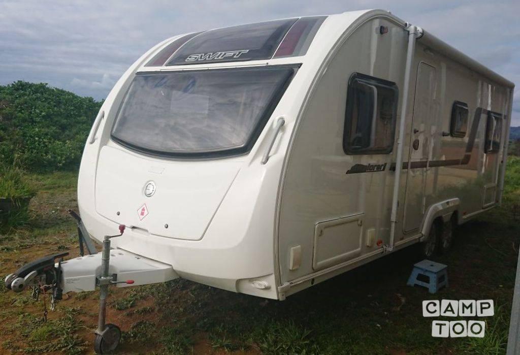 Swift caravan from 2013: photo 1/10