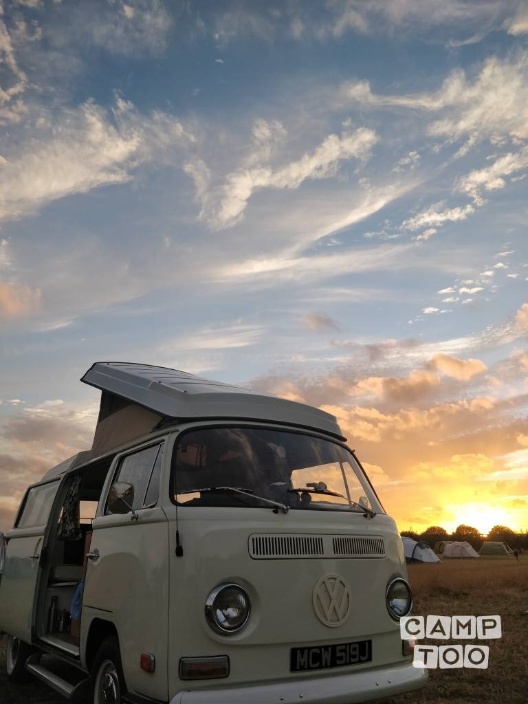 Volkswagen camper from 1971: photo 1/12
