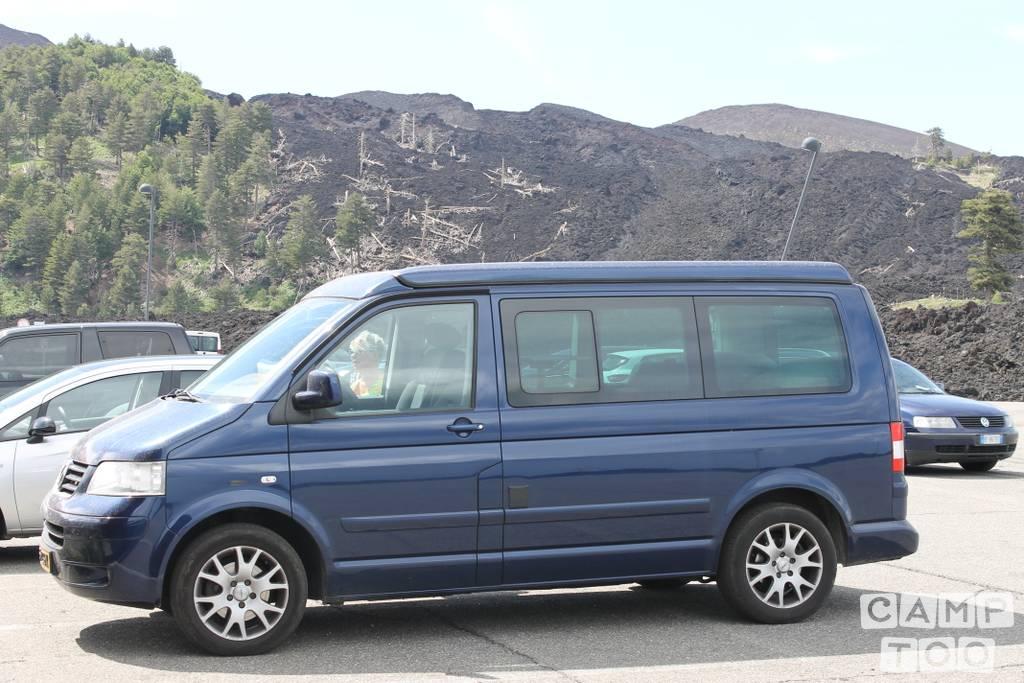 Volkswagen camper from 2008: photo 1/18