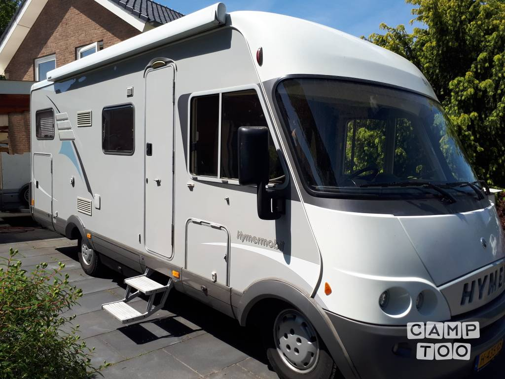 Hymer camper from 2003: photo 1/9