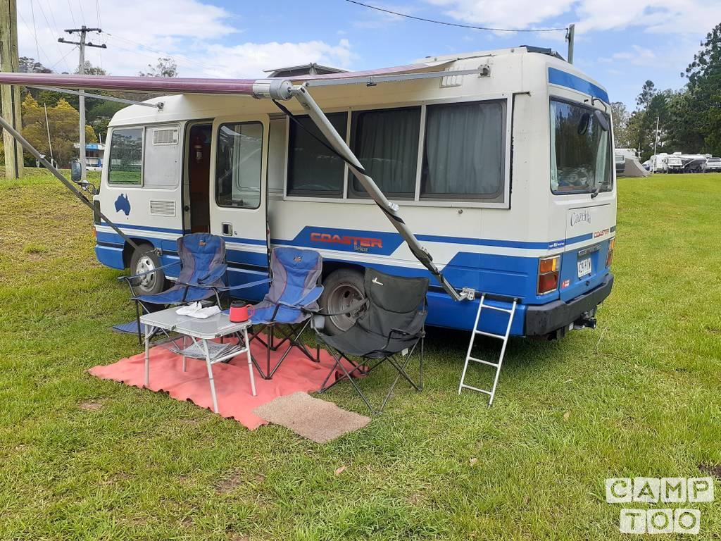 Toyota camper uit 1988: foto 1/6