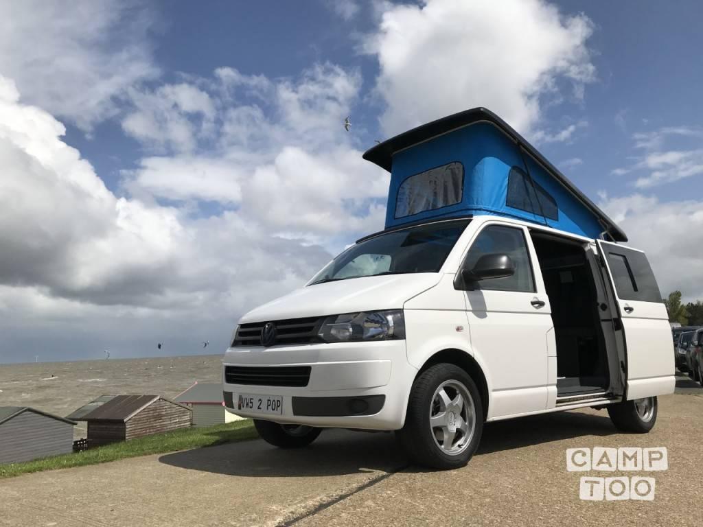 Volkswagen camper from 2011: photo 1/9