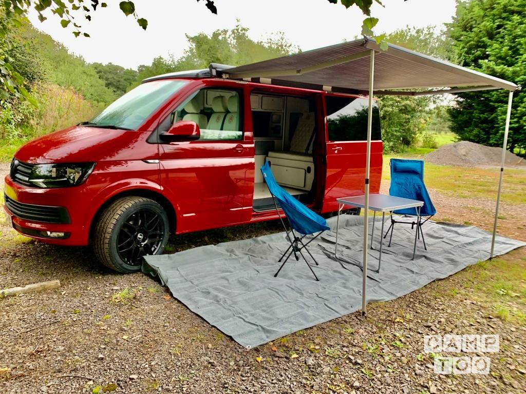 Volkswagen camper from 2019: photo 1/13