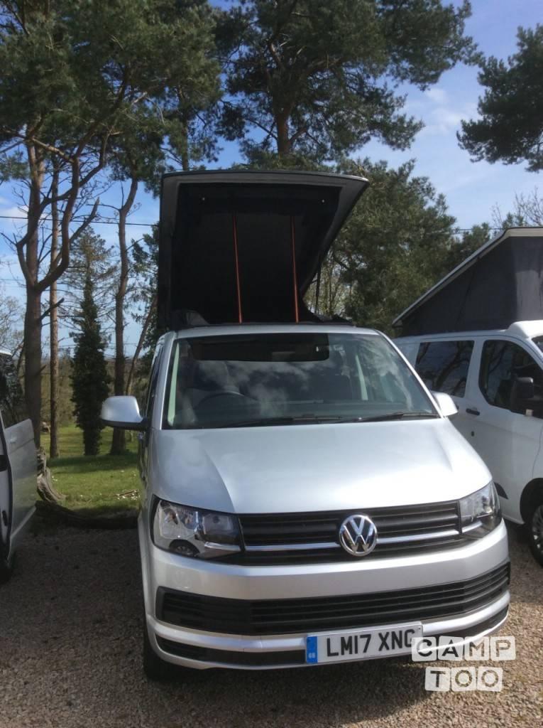 Volkswagen camper from 2017: photo 1/13