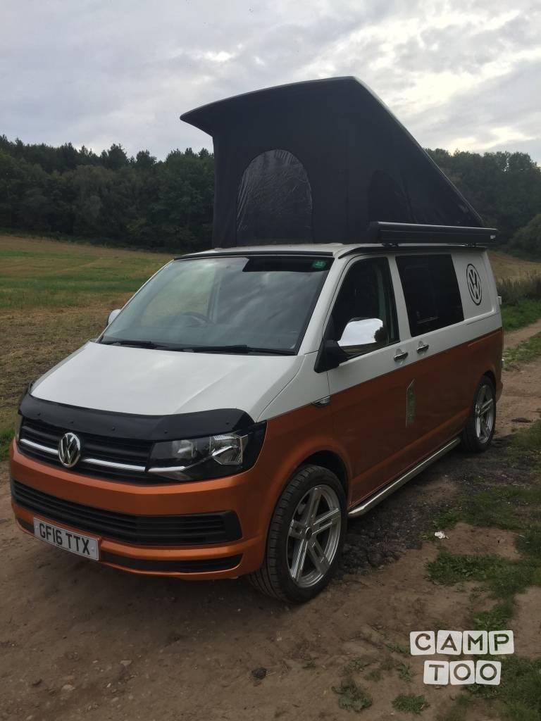 Volkswagen camper from 2016: photo 1/4