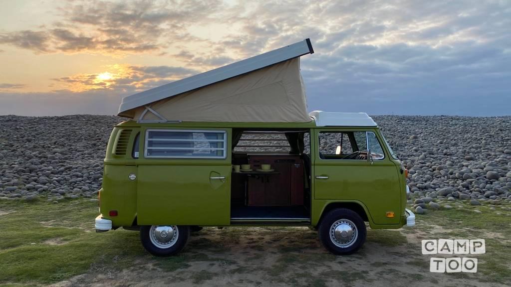 Volkswagen camper from 1976: photo 1/38