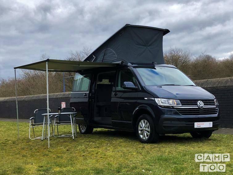 Volkswagen camper uit 2021: foto 1/9