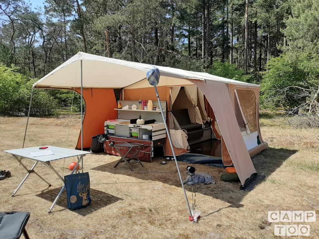 Combi Camp caravan uit 2004: foto 1/17