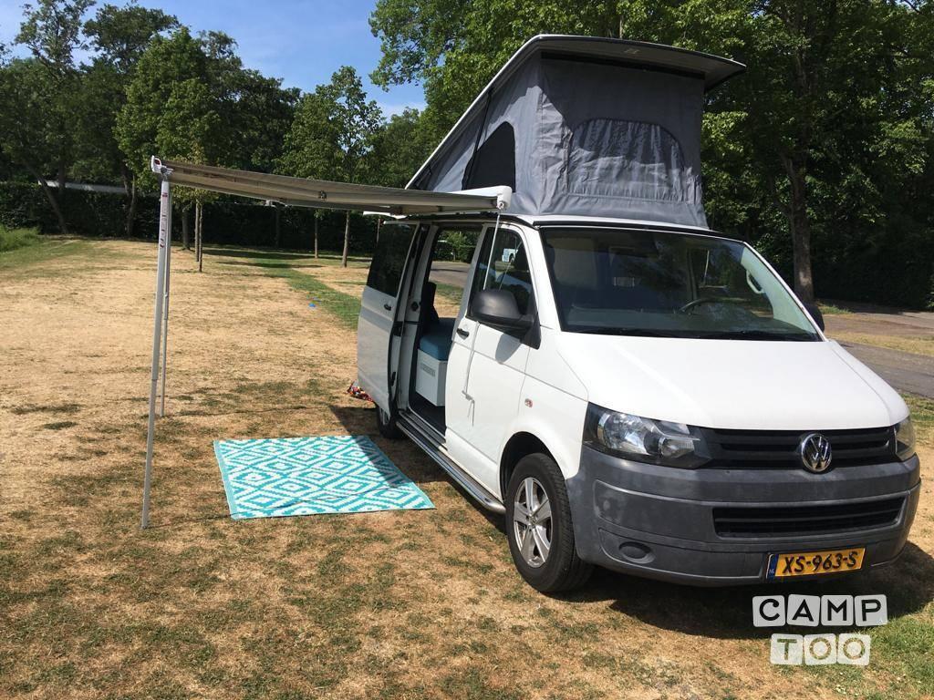 Volkswagen camper from 2010: photo 1/7