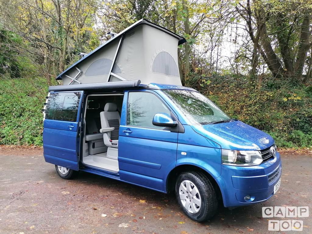 Volkswagen camper from 2015: photo 1/8