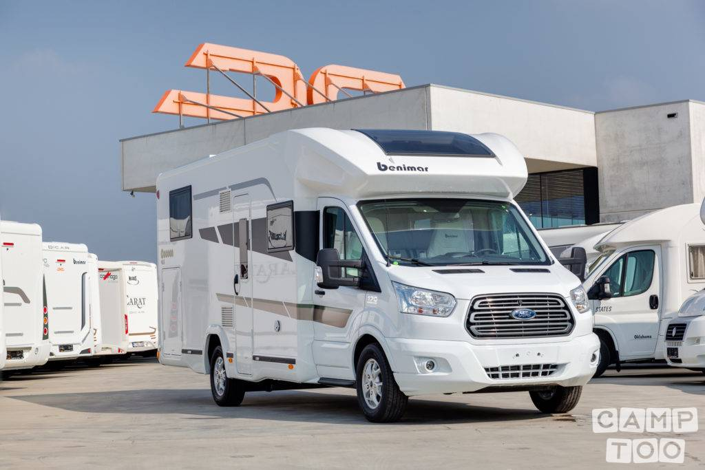 Ford camper from 2019: photo 1/23