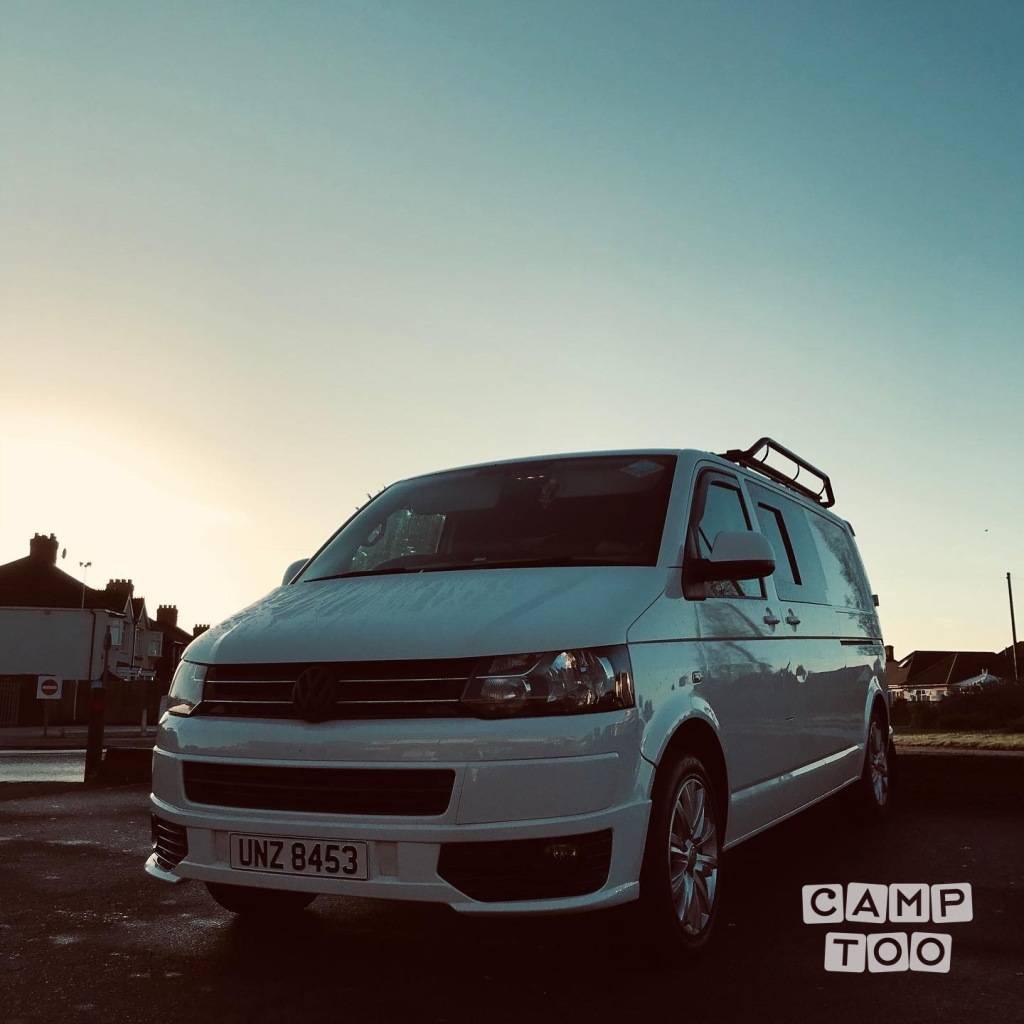Volkswagen camper uit 2015: foto 1/9