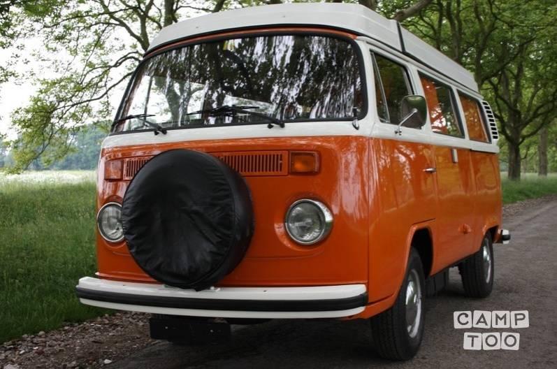 Volkswagen camper from 1975: photo 1/4