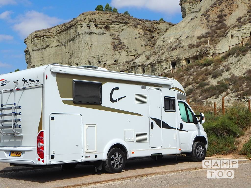 Capron camper from 2014: photo 1/17