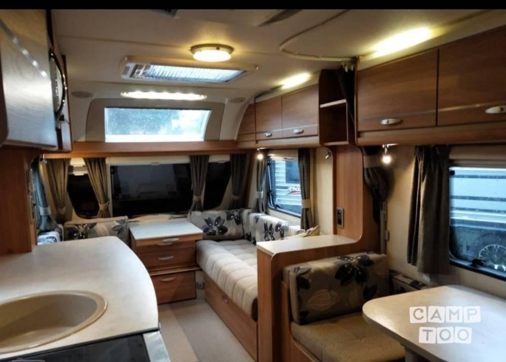Swift caravan from 2012: photo 1/10