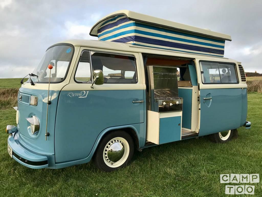Volkswagen camper uit 1977: foto 1/8