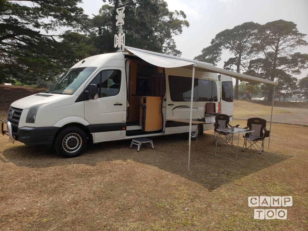 Volkswagen camper from 2010: photo 1/17