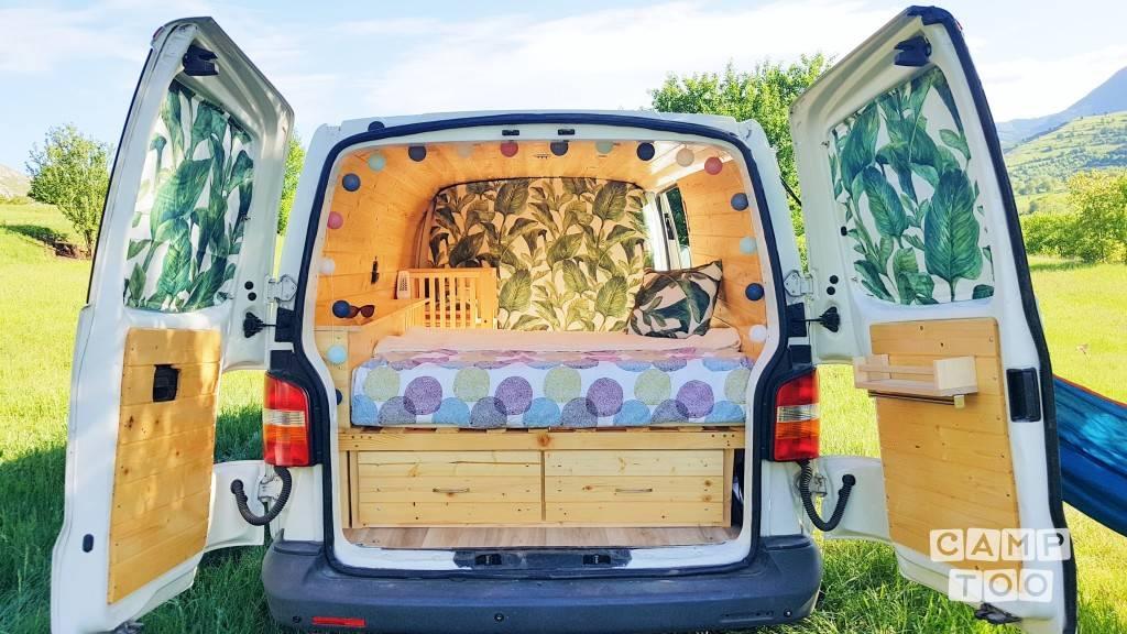 Volkswagen camper uit 2004: foto 1/10