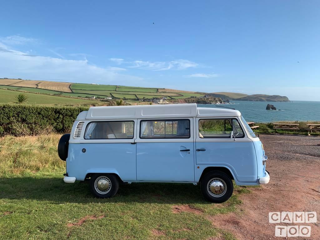 Volkswagen camper from 2010: photo 1/29