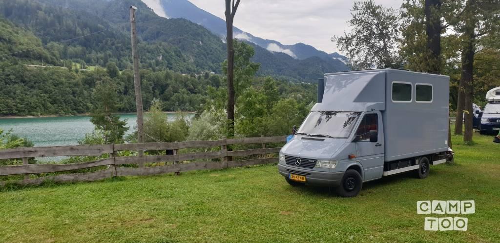 Mercedes-Benz camper uit 2000: foto 1/14