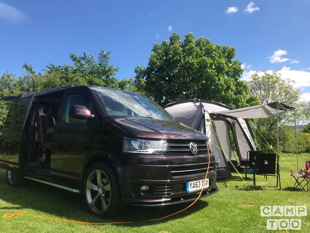 Volkswagen camper from 2014: photo 1/13