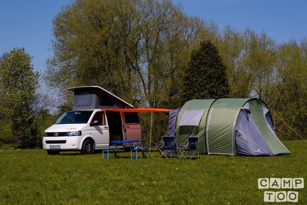 Volkswagen camper from 2014: photo 1/18