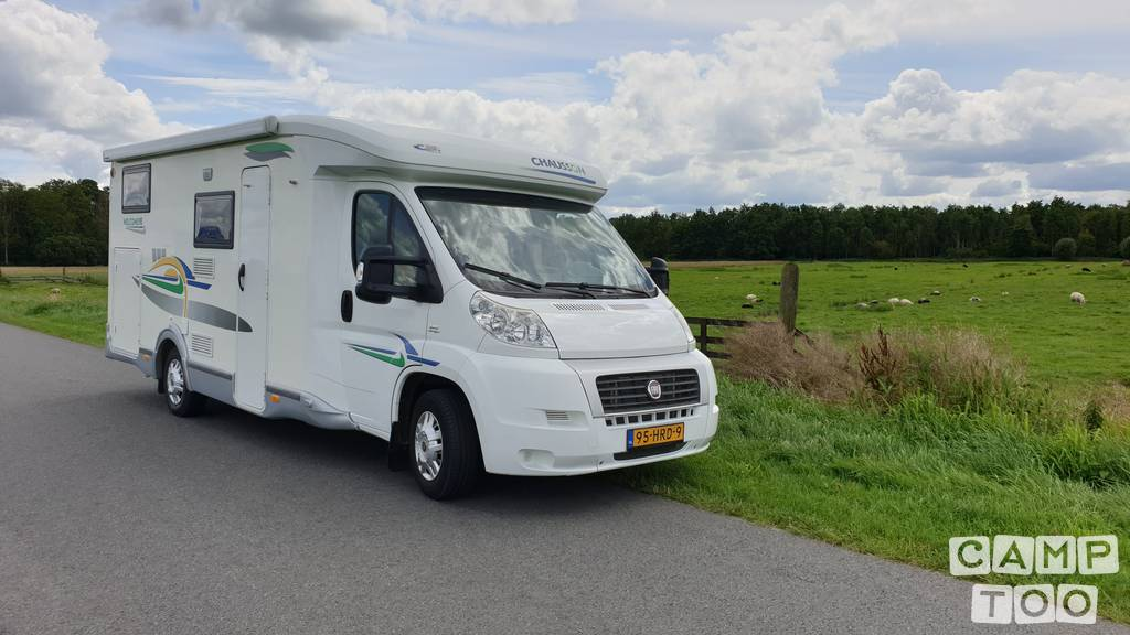 Chausson camper from 2009: photo 1/10