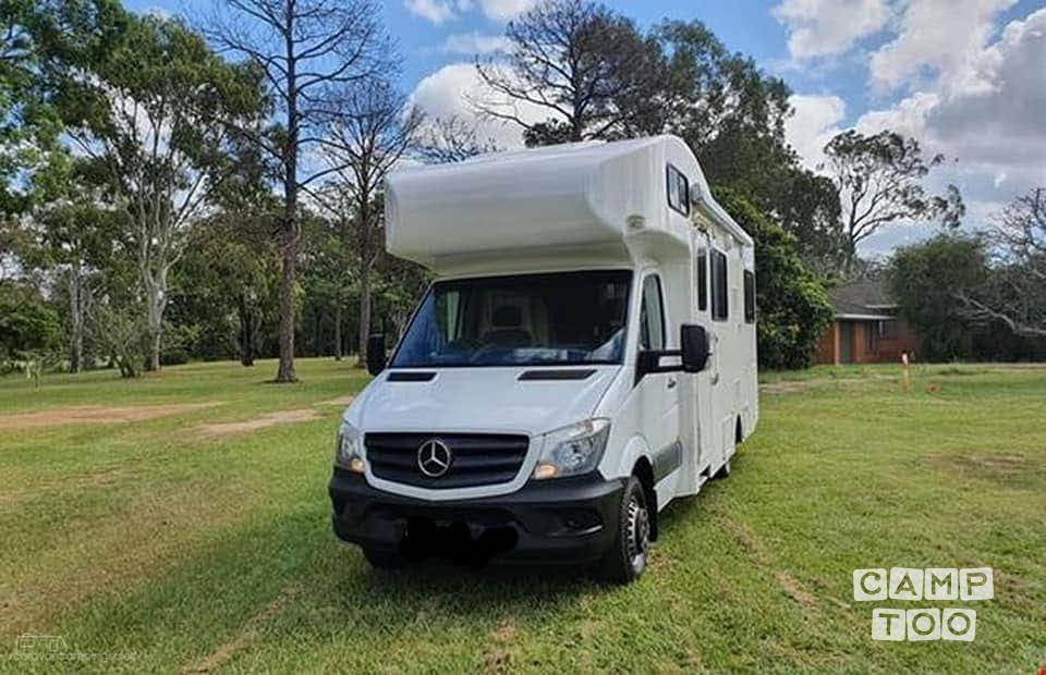 Mercedes-Benz camper from 2014: photo 1/22