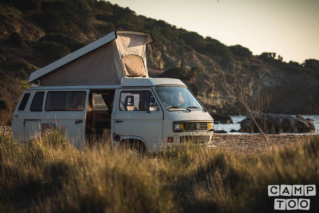 Volkswagen camper from 1987: photo 1/12