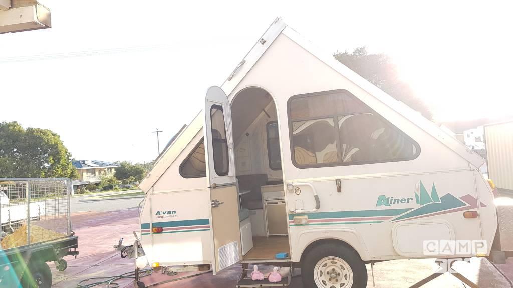 A'van caravan from 2002: photo 1/4