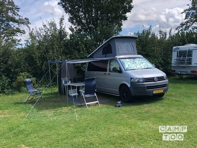 Volkswagen camper from 2012: photo 1/11