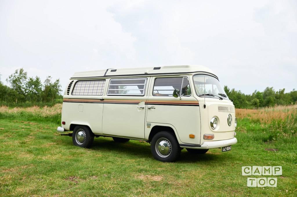 Volkswagen camper uit 1971: foto 1/13