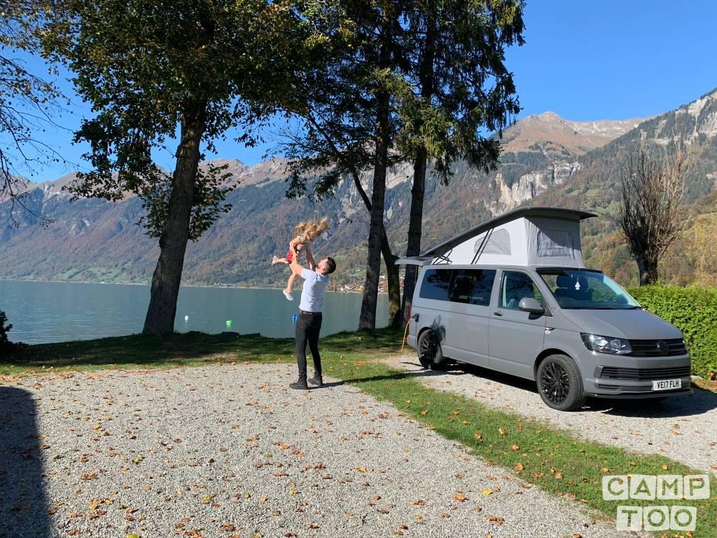 Volkswagen camper from 2017: photo 1/36