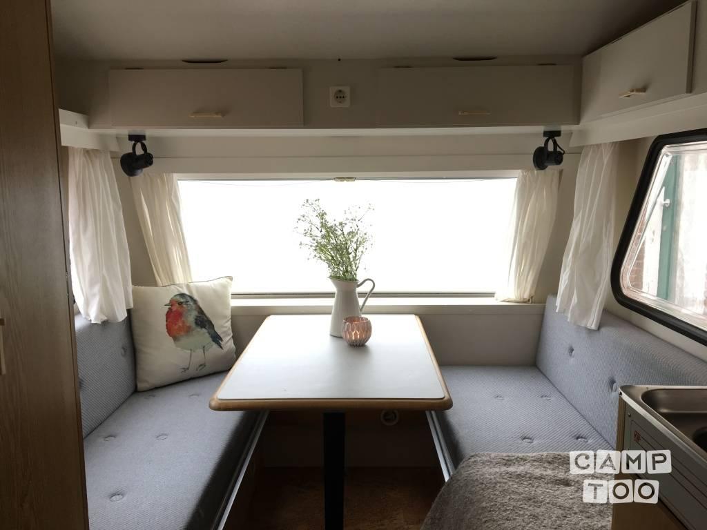 Kip Caravans caravan uit 1988: foto 1/20