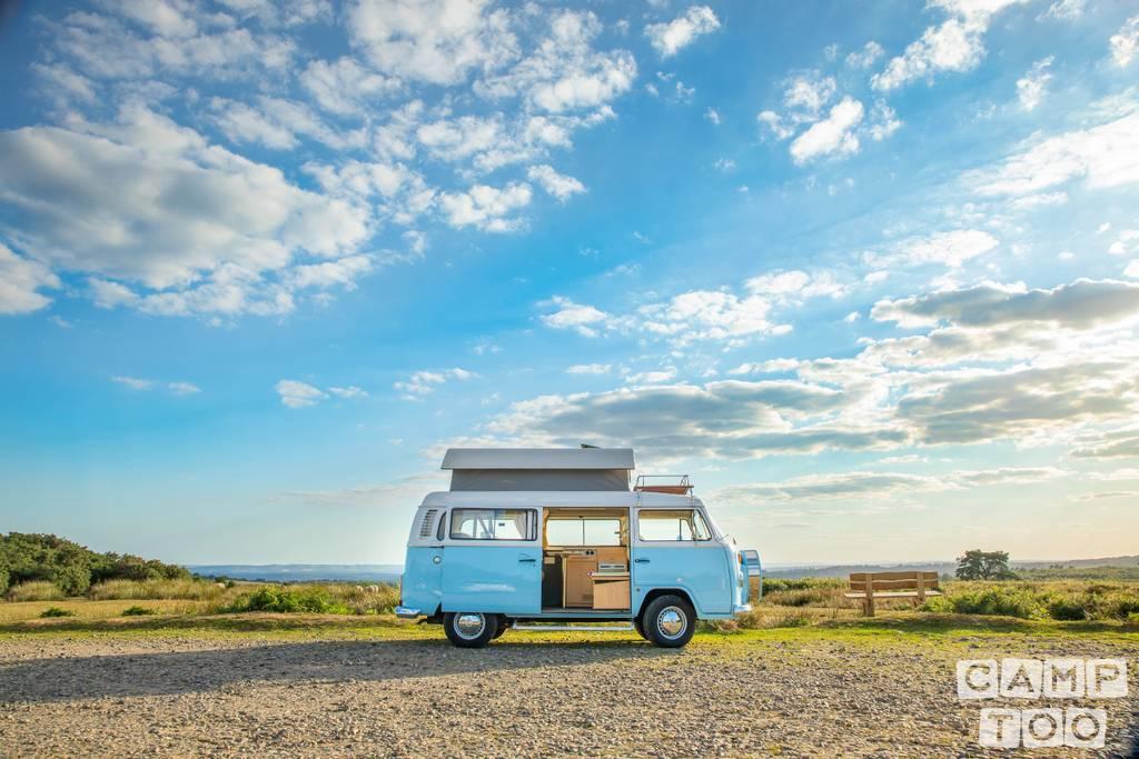 Volkswagen camper uit 2011: foto 1/7
