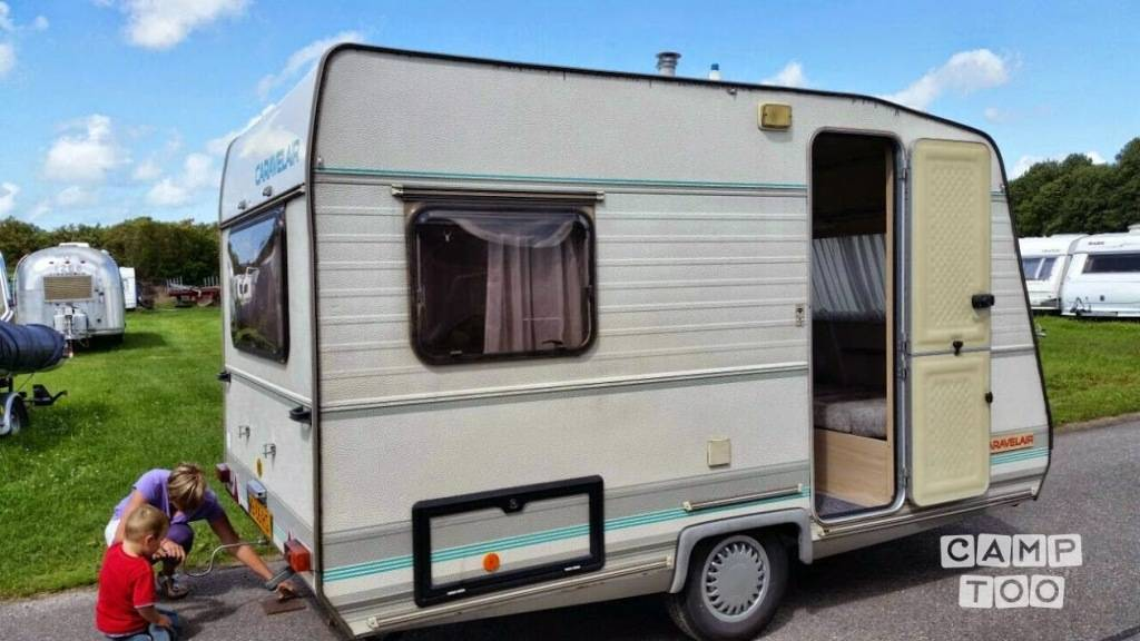 Caravelair caravan uit 1990: foto 1/8